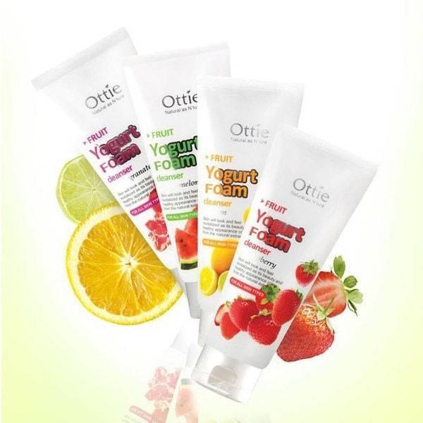 Пенка для умывания с экстрактом клубники Ottie Fruits Yogurt Foam Cleanser [Strawberry] 150ml
