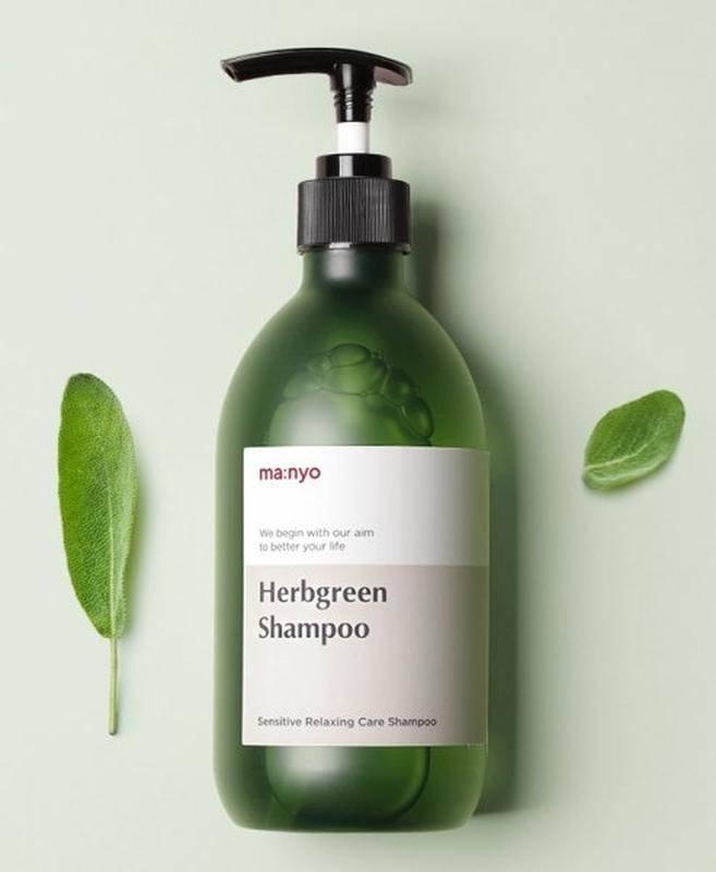 Органический шампунь увлажняющий с экстрактом зеленого чая Manyo Factory Herb Green Moisturizing Hair Shampоо  510ml