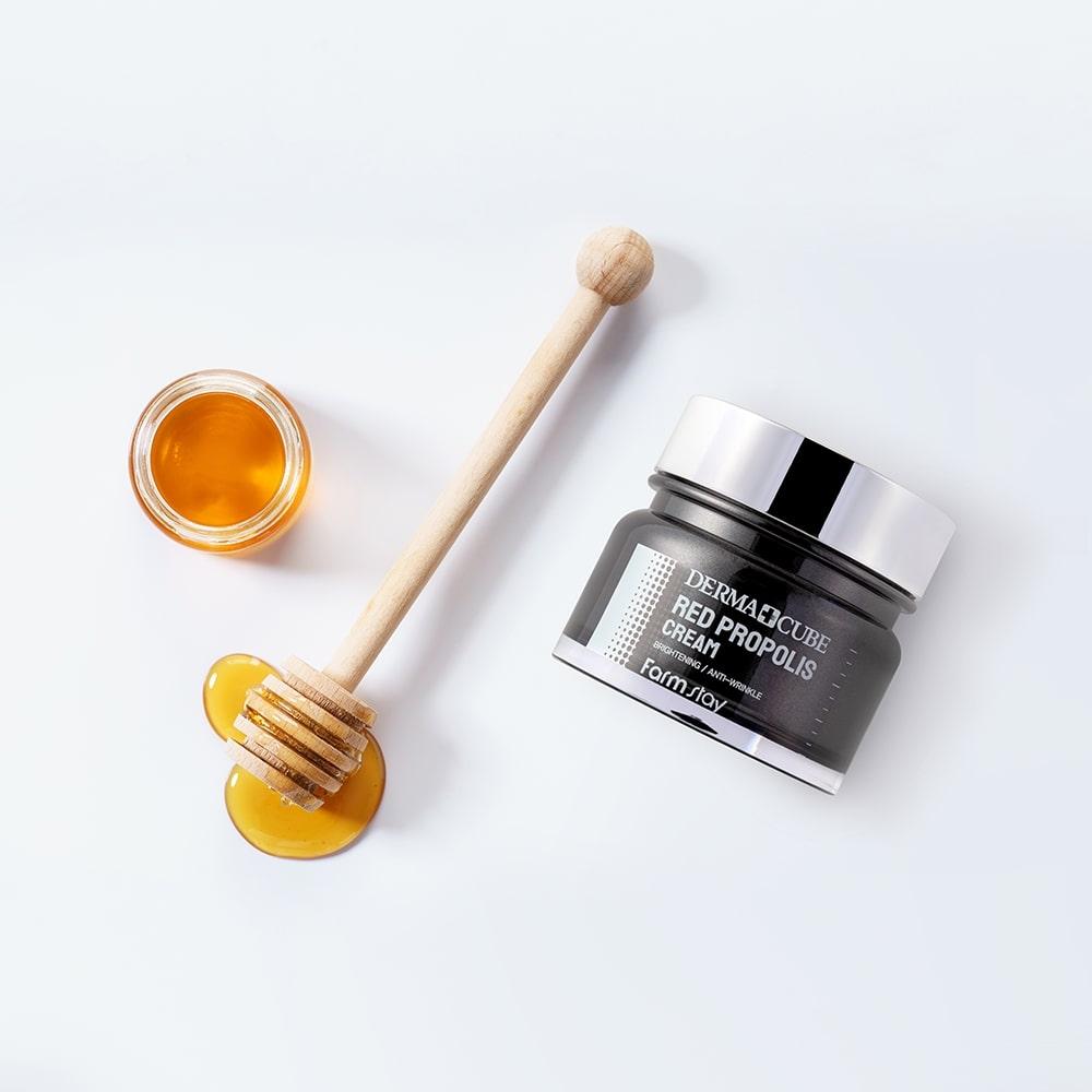 Крем питательный для лица с прополисом и гибискусом Farmstay Derma Cube Red Propolis Cream 80ml 2 - Фото 2
