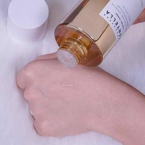 Увлажняющий тонер с центеллой и гиалуроновой кислотой SKIN1004 Madagascar Centella Toning Toner 2 - Фото 2