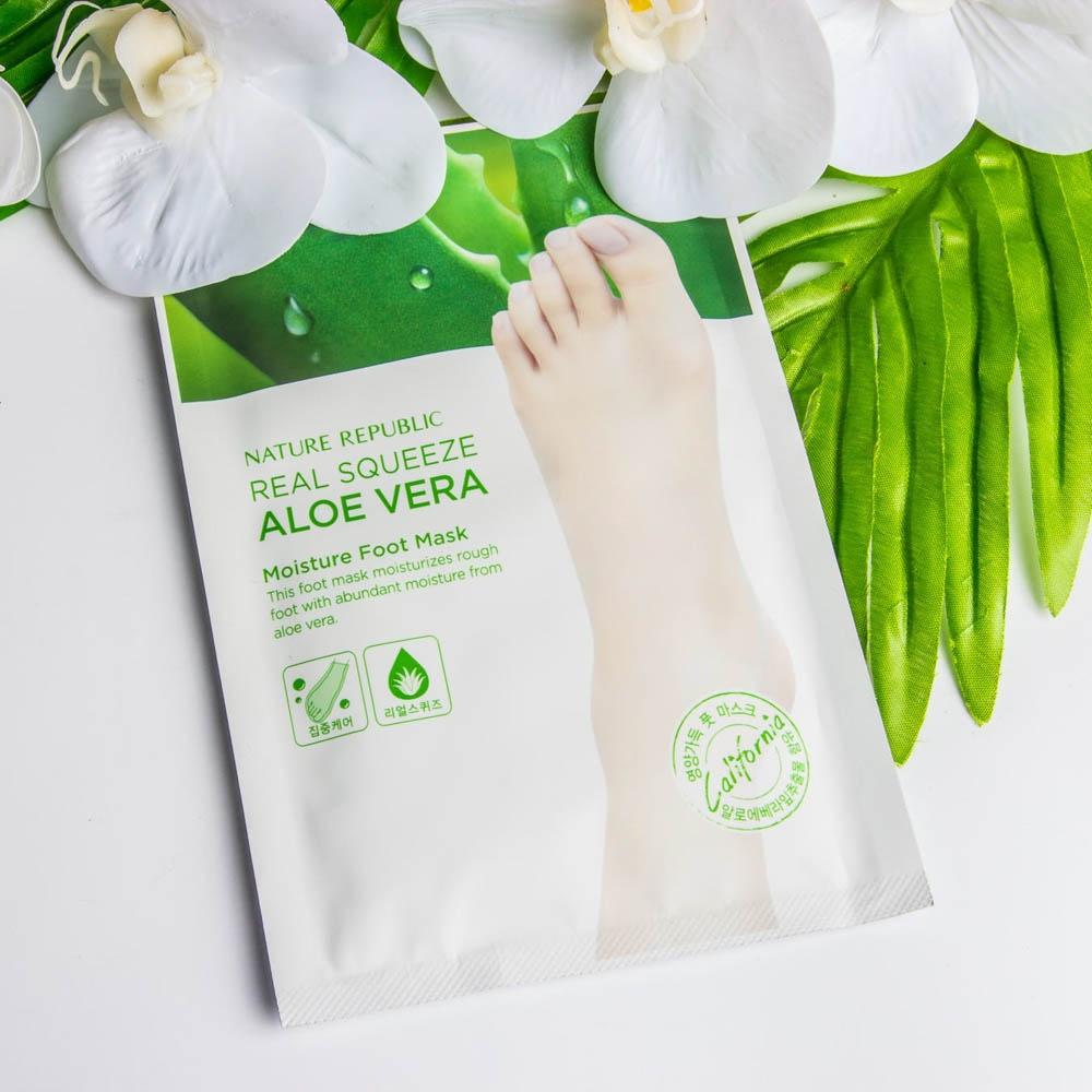 Увлажняющая маска для ног с экстрактом алоэ вера Nature Republic Real Squeeze Aloe vera Moisture Foot mask 16ml 0 - Фото 1