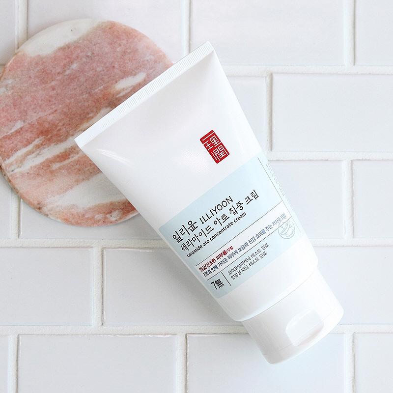 Крем омолаживающий с пантенолом и мадекассосидом для лица Illiyoon Ultra Repair Cream 200ml 2 - Фото 2