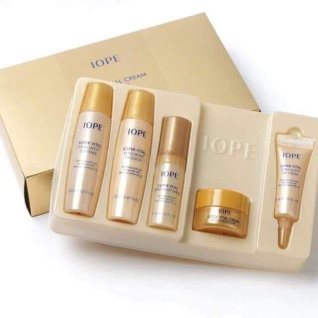 Набор миниатюр для антивозрастного ухода и питания кожи Iope Super Vital Special Kit(5items) 51ml