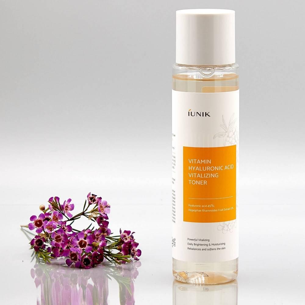 Тонер для интенсивного увлажнения и оживления кожи с гиалуроновой кислотой и экстрактом облепихи IUNIK Vitamin Hyaluronic Acid Vitalizing Toner 200ml 0 - Фото 1
