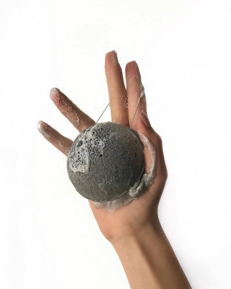 Очищающий Спонж Для Лица С Экстрактом Пепла Бамбука Missha Natural Soft Jelly Cleansing Puff Bamboo Charcoal (Black) 2 - Фото 3
