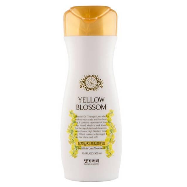 Кондиционер-бальзам против выпадения волос Daeng Gi Meo Ri Yellow Blossom treatment 300ml