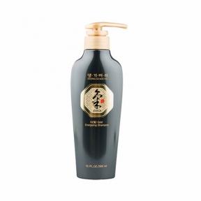 Шампунь профилактический для волос Daeng Gi Meo Ri Ki Gold Energizing Shampoo 300ml