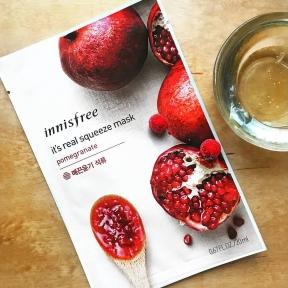 Тканевая Маска Восстанавливающая С Экстрактом Граната Innisfree It's Real Squeeze Mask Pomegranate